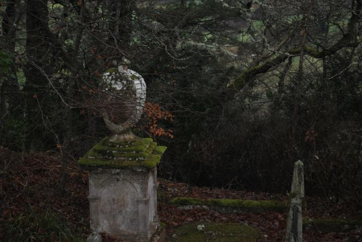 tomnahurich-graveyard-inverness-83