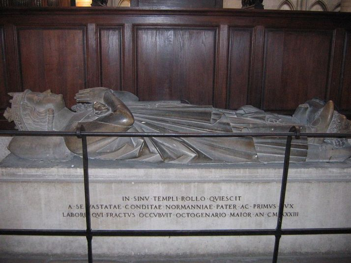 1024px-Grave_of_Rollo_of_Normandy