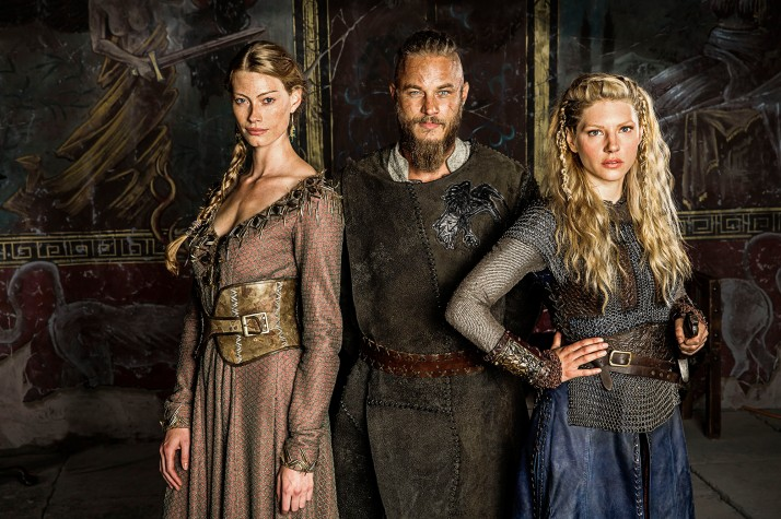 Vikings-Princess-Aslaug-Alyssa-Sutherland-Ragnar-Lothbrok-Travis-Fimmel-and-Lagertha-Katheryn-Winnick