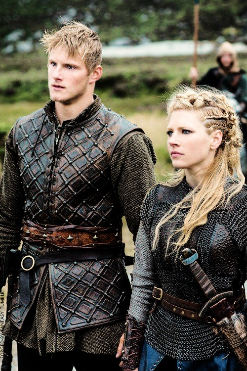 grown Bjorn with Mother, Lagertha