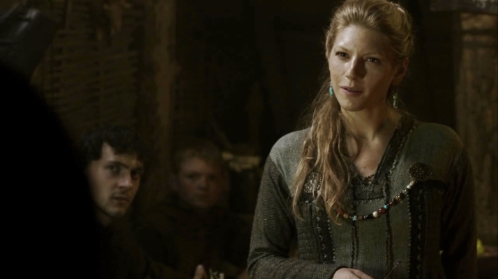 Ragnar tells Lagertha he wants her to come with him on this next raid.