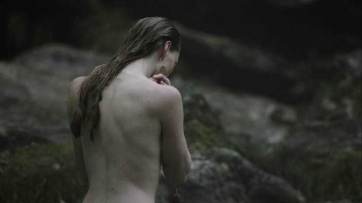 aslaug makes her appearance