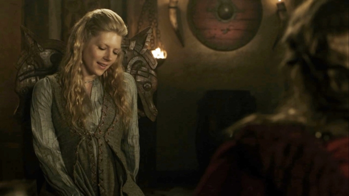 Lagertha is uncomfortable with the offer as well