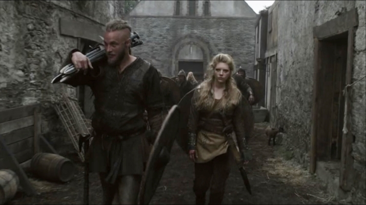 lagertha must tell Ragnar what has happened