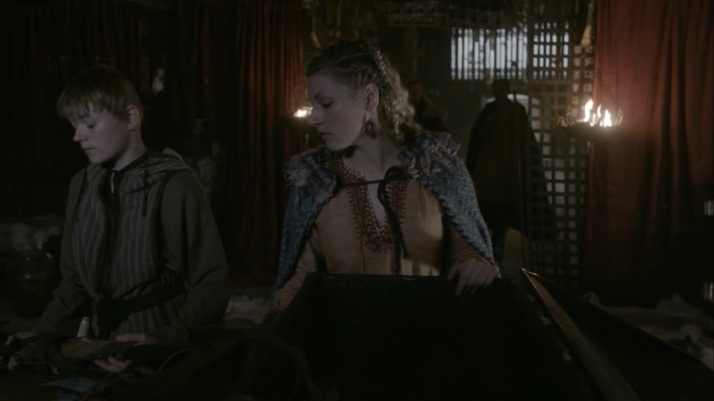 lagertha prepares to leave