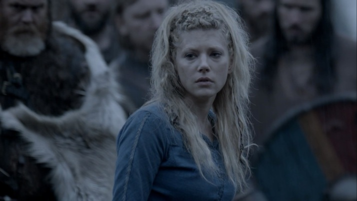a grieving lagertha waits for bjorn's announcement