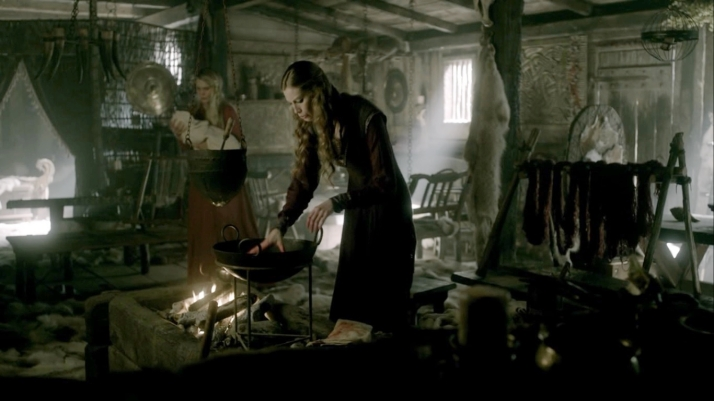 aslaug and her cauldron2