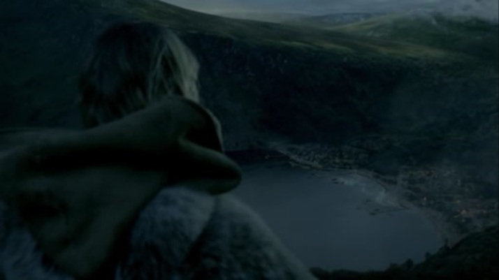 Porunn takes a last look at the village of Kattegat