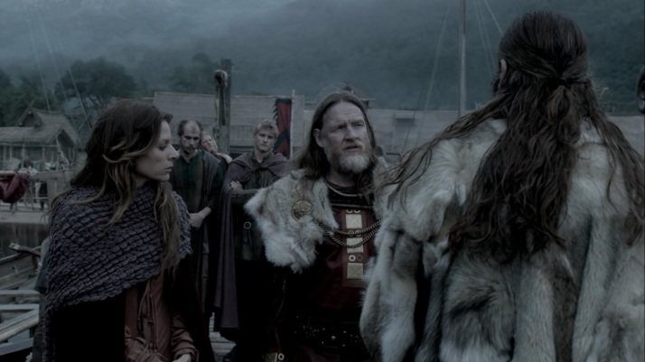 horik sends rollo to jarl borg while he stays at kattegat
