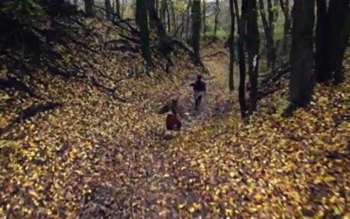 Last Kingdom Uhtred and Brida flee