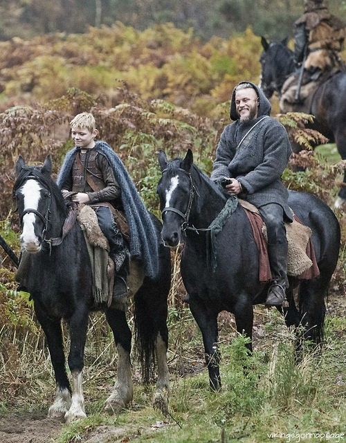 Ragnar and young Bjorn