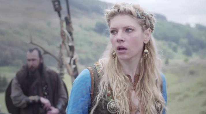 something unexpected an unpleasent is happening around lagertha