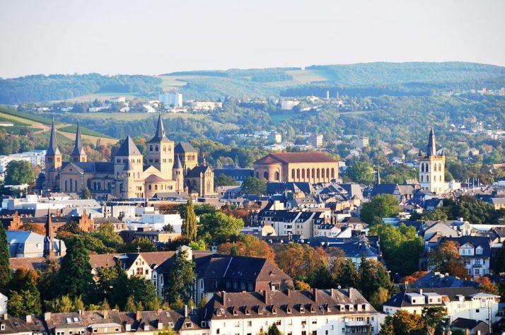 1024px-Trier-Blick-vom_Weishaus
