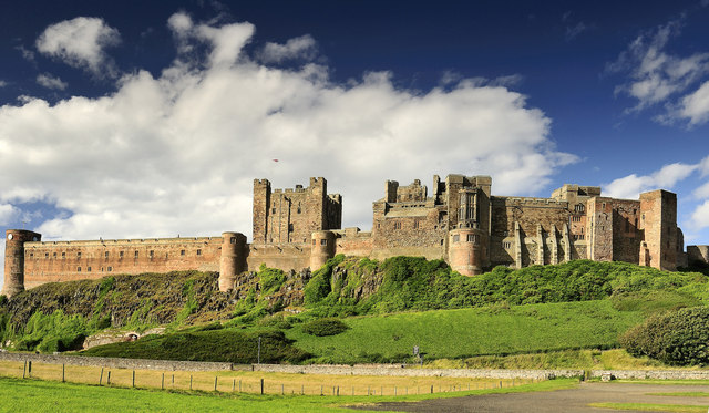 Bamburgh_Castle_-_geograph_org_uk_-_1030813