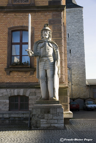 calbe statue of roland3