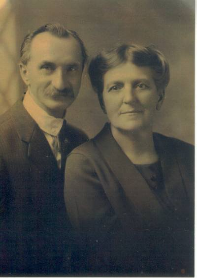 William and Susana Pfeiffer older years