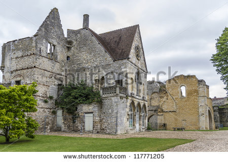 stock-photo-ruins-of-royal-castle-in-senlis-castle-was-place-of-election-of-hugh-capet-in-completely